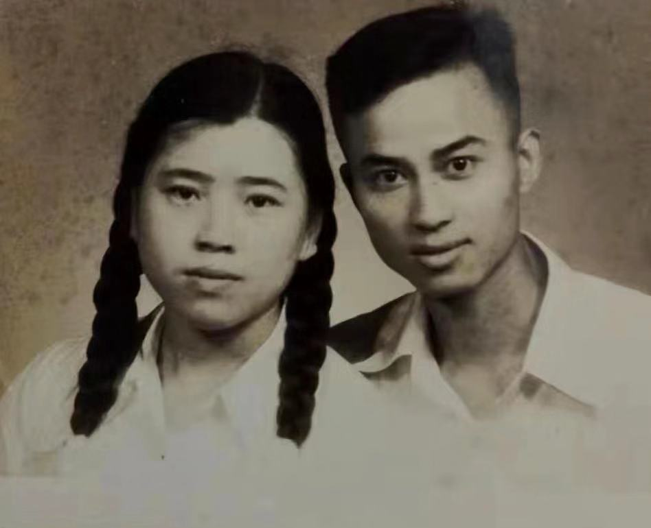 Hunter Lu's grandmother and grandfather. Photo courtesy of the author.